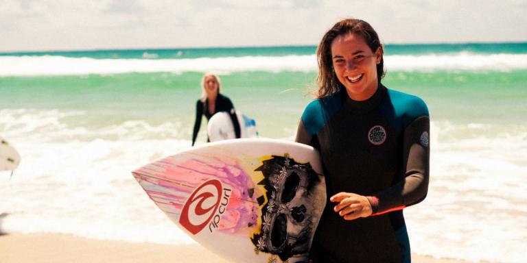 Tyler Wright surfista LGTB+