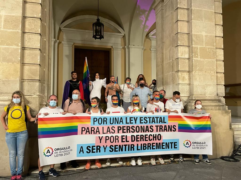 Más de 25.000 personas exigen en Sevilla una Ley Estatal para las personas trans y por el derecho a ser y sentir libremente